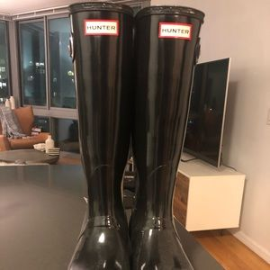 Hunter Rain Boots - Patent Black size 7.5